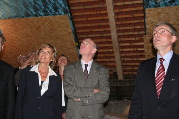 2009-09-21_bundestagspraesident_lammert_in_nuernberg_memorium
