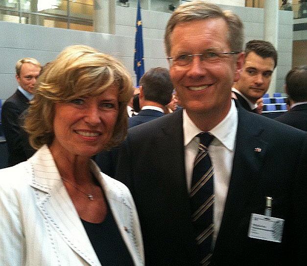Dagmar Wöhrl und der neue Bundespräsident Christian Wulff. Dagmar Wöhrl - 30. Juni 2010 Berlin.