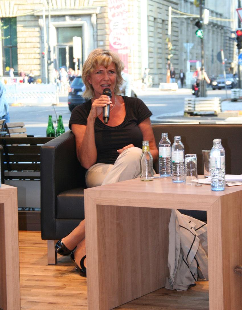 """Launch des Web 2.0-Spiels """"SuperActivist"""" mit MdB Wöhrl. 15. August 2011 Berlin"""