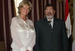 Dagmar G. Wöhrl mit Dr. Morsy, Vorsitzender der Partei Freiheit und Gerechtigkeit (politischer Flügel der Muslimbrüder).