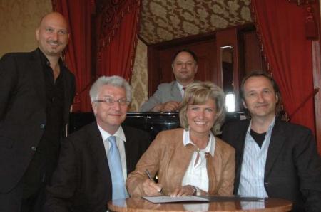 """Startschuss für """"Die jungeMET"""" Zeitgenössisches Musiktheater für junge Menschen in der Metropolregion. Dagmar Wöhrl. 24. Mai 2011"""