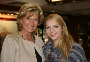 Dagmar Wöhrl trifft Kerstin Bohne. Juni 2011 - Dagmar Wöhrl, Botswana.