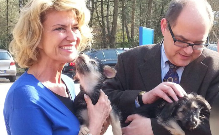 25. März 2014 - Dagmar Wöhrl und Bundeslandwirtschaftsminister Christian Schmidt beim Besuch des Nürnberger Tierheimes