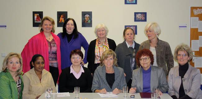 Dagmar Wöhrl und der Bezirksvorstand der Frauen Union besuchen das Frauenhaus Nürnberg. Dagmar Wöhrl - 08. März 2010 Nürnberg.