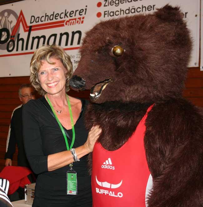 Dagmar Wöhrl besucht die Grizzlys. Dagmar Wöhrl - 02. Oktober - Nürnberg