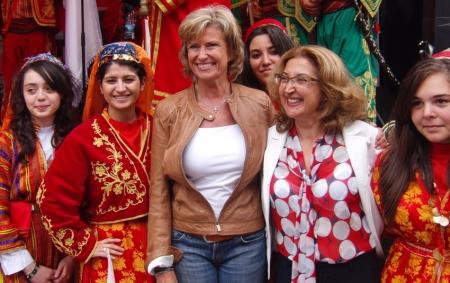 Dagmar Wöhrl und die türkische Generalkonsulin Ece Öztürk Cil. Nürnberg, 24.06.2011