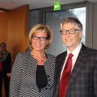 MdB Wöhrl im Austausch mit Bill Gates über Gesundheitsversorgung, Impfkampagnen und Ebola in Entwicklungsländern