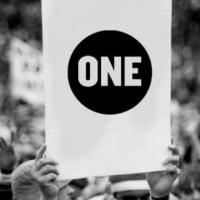ONE ist eine Lobby- und Kampagnenorganisation, die gegen extreme Armut und vermeidbare Krankheiten - insbesondere in Afrika — kämpft.