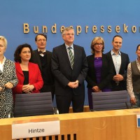 Gemeinsamer Appell der Gruppe Hintze/Wöhrl/Dr. Reimann/Prof. Lauterbach/Lischka und der Gruppe Künast/Dr. Sitte/Gehring im Hinblick auf die abschließende Entscheidung des Deutschen Bundestages zur Sterbehilfe