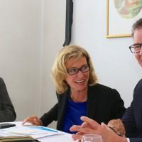 """Bundesentwicklungsminister Müller zu Besuch bei Wöhrls Runder Tisch Entwicklungspolitik. MdB Dagmar G. Wöhrl: """"Wir müssen stärker an einem Strang ziehen, um die Herausforderungen meistern zu können"""""""